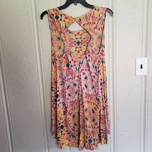 NWOT Angie Twist Back Dress M